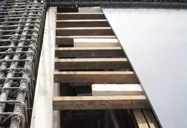 工程建筑模板剪切和安装
